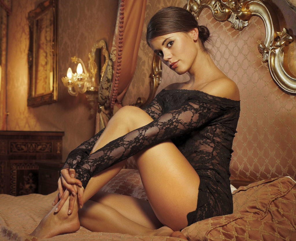 Brunette Escorts and Cheap London Escorts