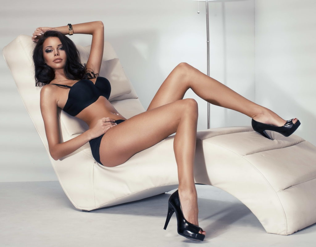 Bromley Escorts - Sexy Lady With Long Legs
