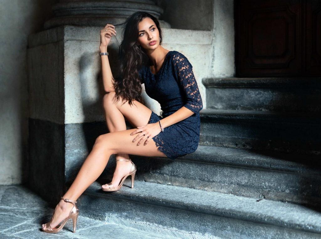 Leggy Brunette - Amazing Legs