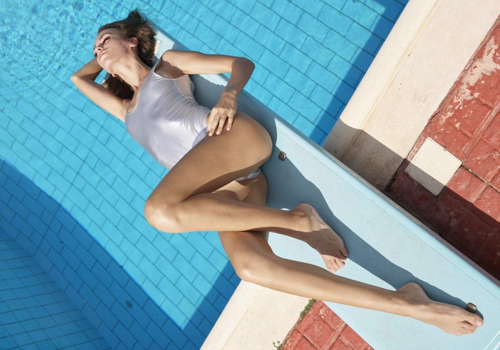 Stunning Legs - Slim Escort