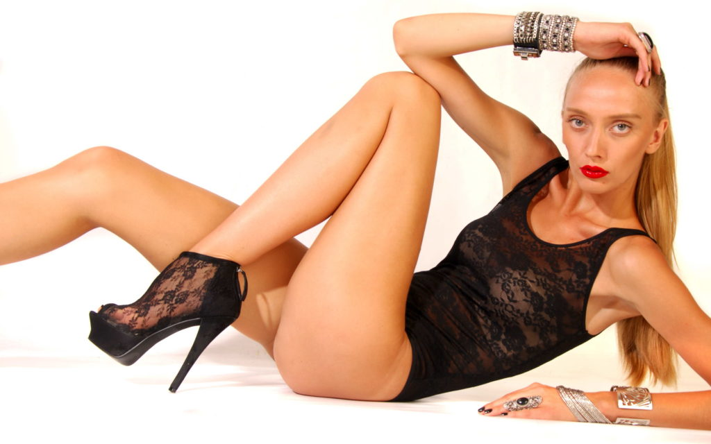 Cheap London Escorts - Slim Blonde Leggy