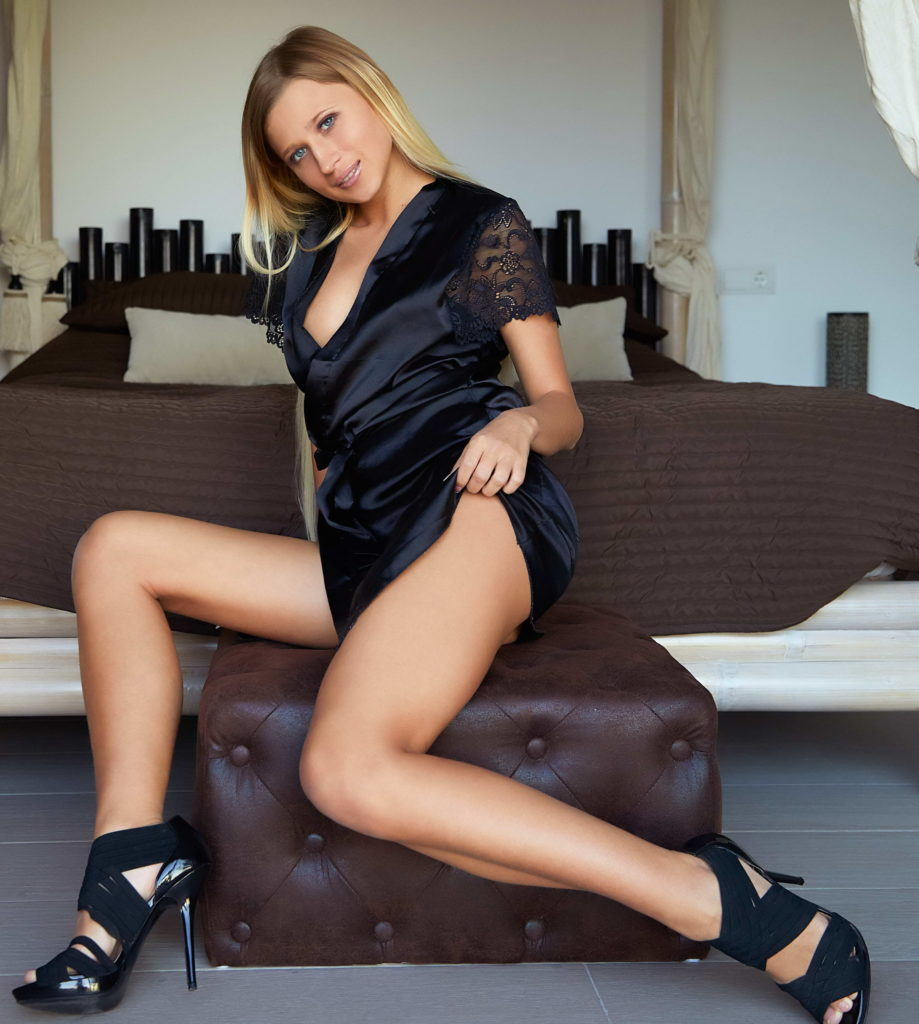 Unseen Sexy Paris Hilton